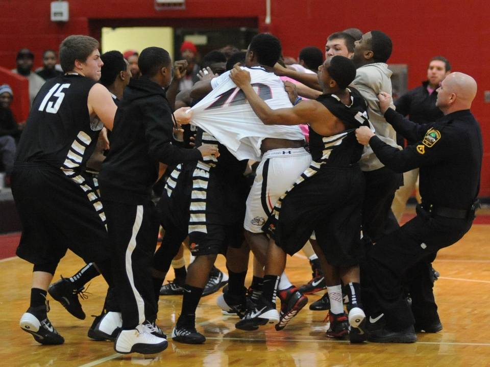 Gaffney HS beats Boiling Springs in OT with just 3 players after bench clearing fight