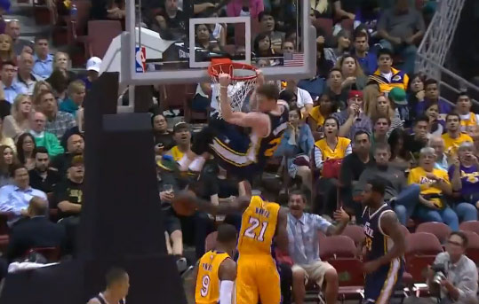 Air Gordon Hayward with the 2 hand dunk vs the Lakers