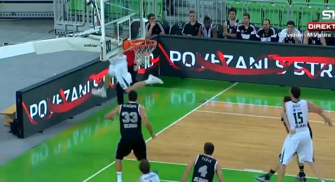 Olimpija player hits a wild no-look behind the backboard shot