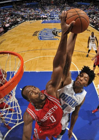 Joey Dorsey rejects Elfrid Payton's dunk attempt
