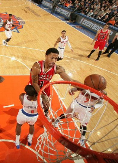 Derrick Rose scores 13 in 24 point win over the Knicks