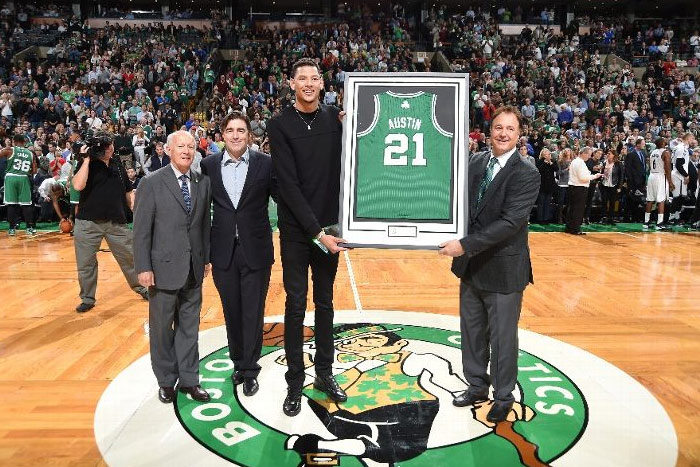 Isaiah Austin honored with a personalized Boston Celtics jersey