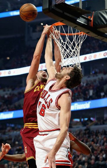 Blocks of the Night: Kevin Love gets blocked by Noah then Gasol