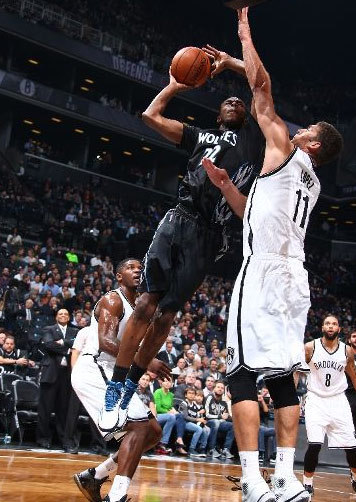 Andrew Wiggins starts and scores 17 points vs Nets