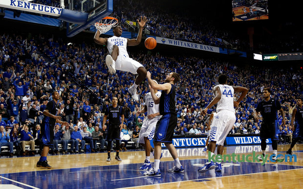 Justin Moss dunks on Willie Cauley Stein as Buffalo gives Kentucky a half-time wake-up call
