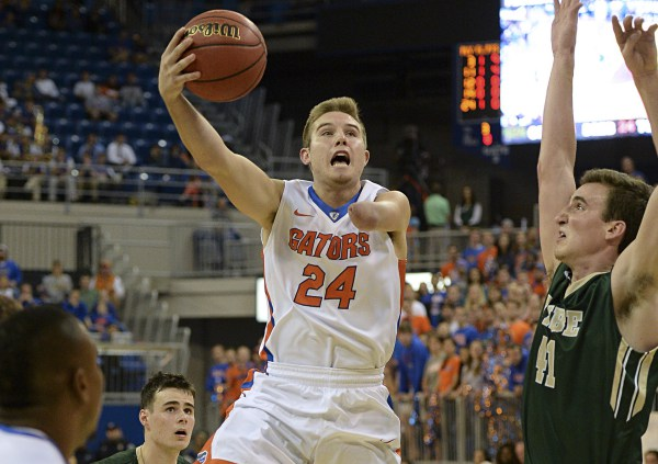 One-handed Zach Hodskins makes his College debut with the Florida Gators