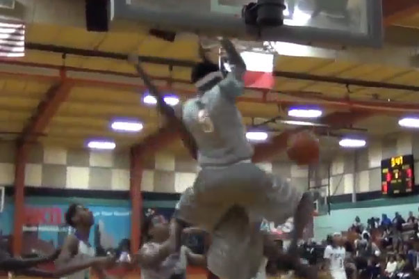 De'Aaron Fox with 2 big dunks at 3rd Annual Big Shot Classic