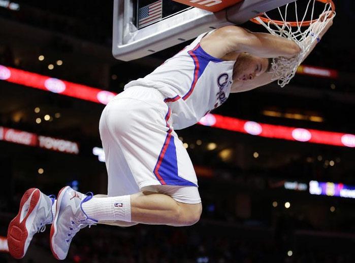 Blake Griffin & DeAndre Jordan's dunks vs the Suns
