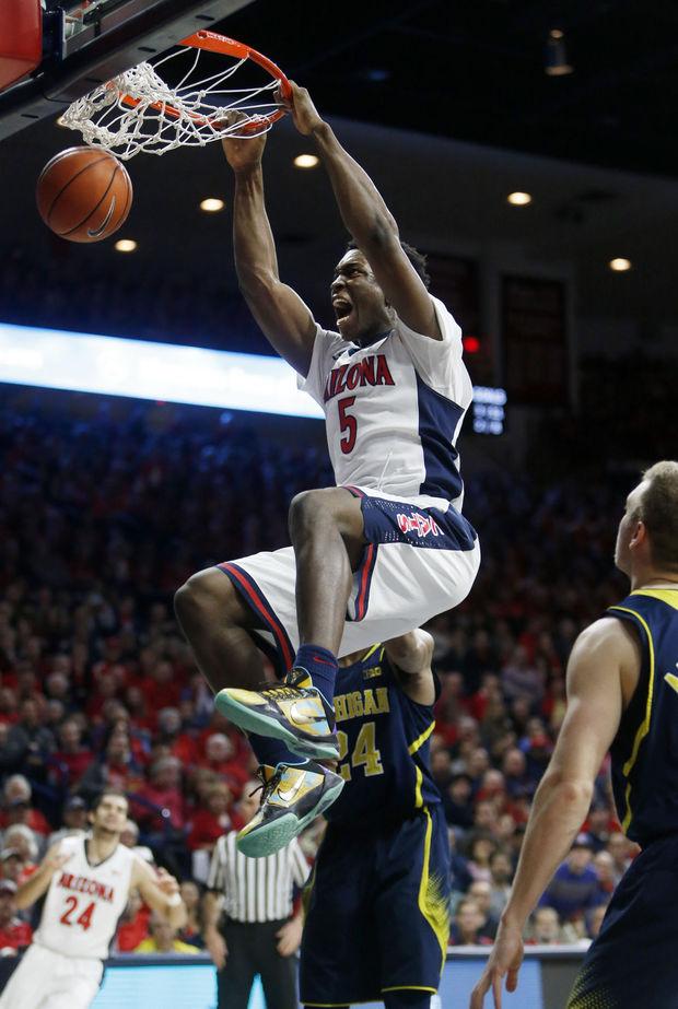 Stanley Johnson was unstoppable against Michigan, big time oop & block