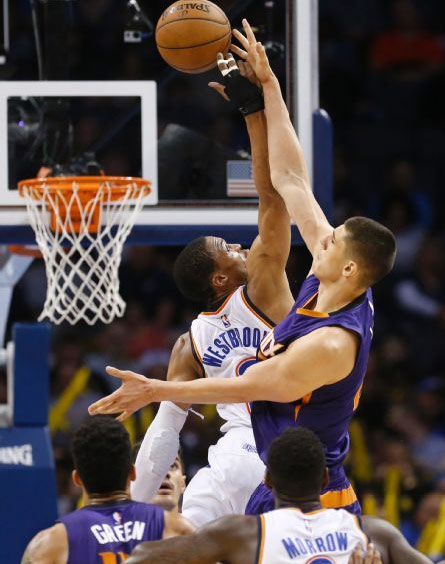 6'3 Russell Westbrook wins jumpball against 7'1 Alex Len, 28/8/8 in 27 minutes!