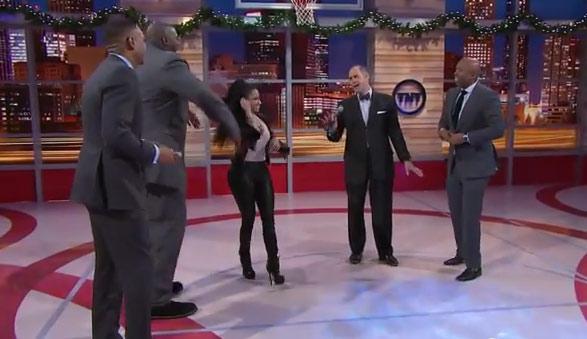 Ernie Johnson raps with Nicki Minaj on Inside The NBA Cypher (Shaq, Grant Hill, Jet)