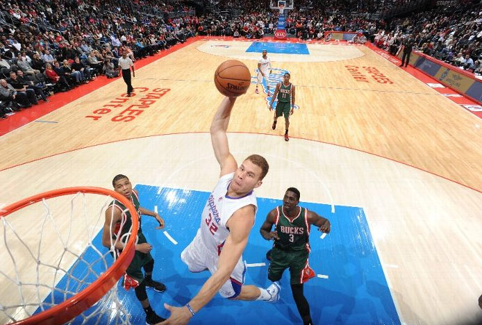 Blake Griffin 24pts, 8asts & a tip-in to seal the win vs the Bucks