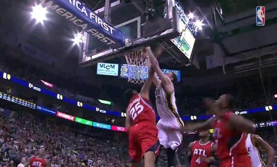 Gordon Hayward dunks on Thabo