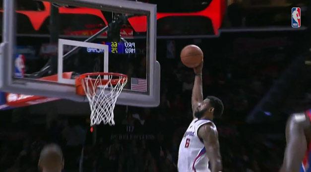 DeAndre Jordan's 1 hand oop vs the 76ers