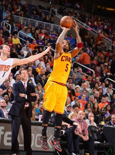 JR Smith scores 29, hits 8 3-pointers vs the Suns