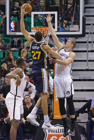 Rudy Gobert dunks on Plumlee twice in 35 point beatdown