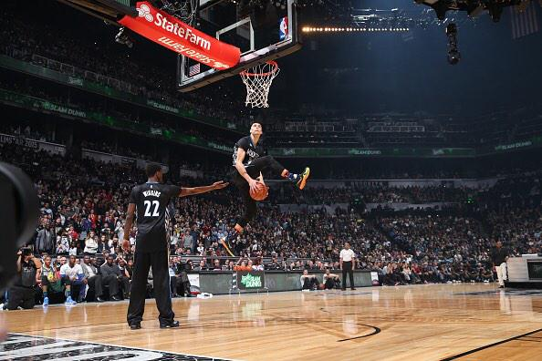 Zach LaVine Kills the 2015 Dunk Contest with his safe dunks, reporter tells him it's not as good as Jordan's