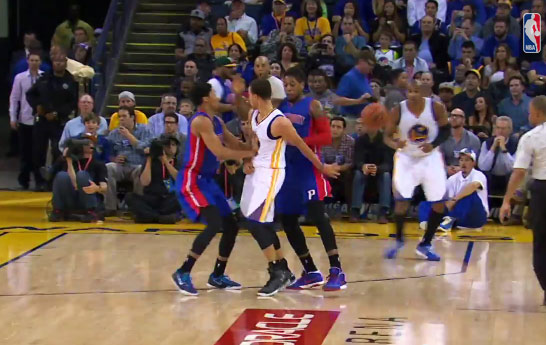 Steph Curry behind the back assist to Barbosa, The chef gets double teamed even when he's cold