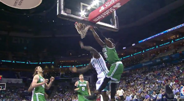 Gerald Wallace Is Not Only Still In the League But He's Still Dunking On People