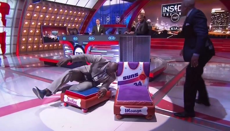 Shaq Breaks One of Charles Barkley's Dog's Beds By Laying ...