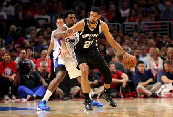 Tim Duncan with 21 points, 11 rebounds & 1 clutch block on Blake Griffin