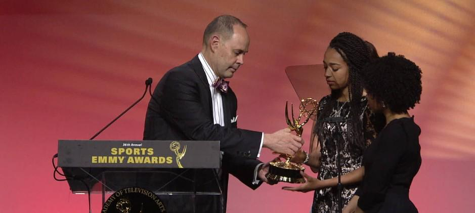 Ernie Johnson Gives His Sports Emmy Award To the Daughters of Stuart Scott