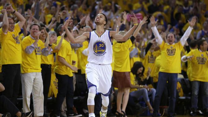Stephen Curry Hits 6 More Crazy 3s in GM5, Becomes Fastest Player to Reach 100 3s in Playoff History