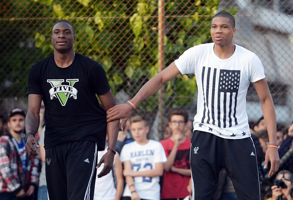 Giannis and Thanasis Antetokounmpo Play In a Pick-Up Game in Greece