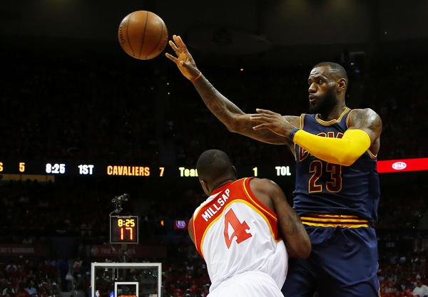 The Best Point Guard Ever Gushed Over How Great LeBron Played Point Guard in GM2