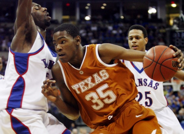 2007: Kevin Durant Scores NCAA Career-High 37 & 10 vs Kansas