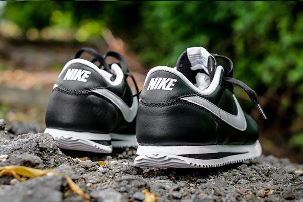 Nike-Cortez-Basic-Leather-06-Black-White-4