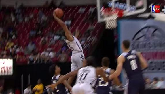 Glen Robinson III Scores 23 in 21mins, throws down a vicious dunk vs the Mavs