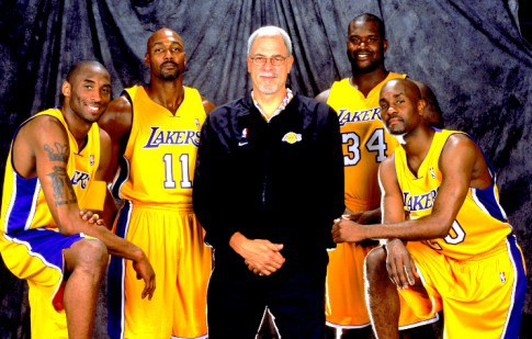 2004-lakers-485x309