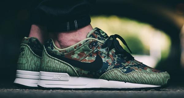 nike-air-pegasus-89-german-reunification-4