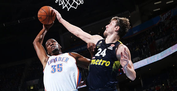 Kevin Durant Posterizes NBA Bust Jan Vesely in 30 Point Victory