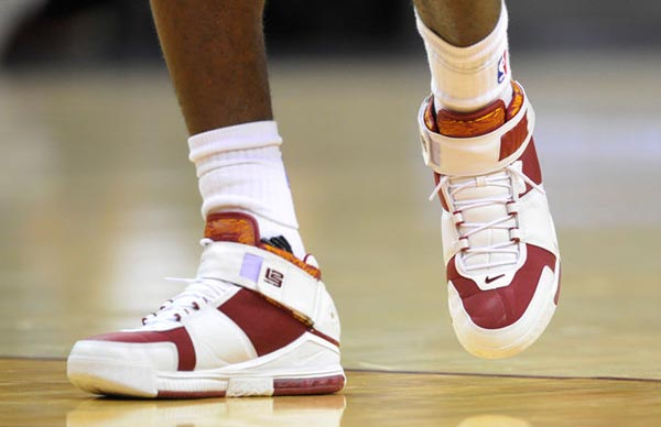 66e819c500342 LeBron Threw It Back With His Kicks Last Night - Ballislife.com