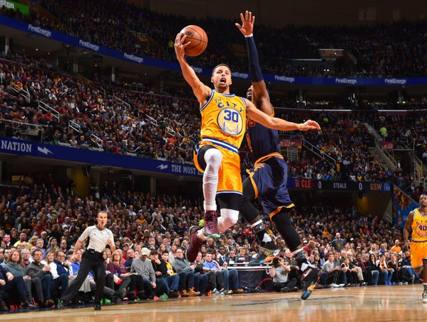 Steph Curry Scores 35 in 3 Quarters vs Kyrie Irving & Cavs