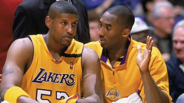 Storytime: Samaki Walker Talks About The Time Kobe Bryant Sucker Punched Him Over $100