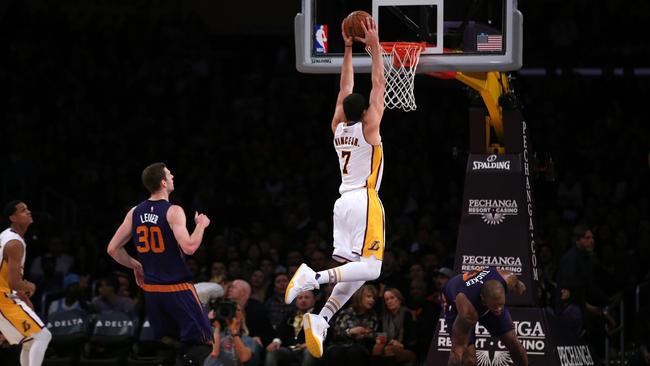 Larry Nance Jr 15 points, 14 rebounds and 3 dunks vs the Suns