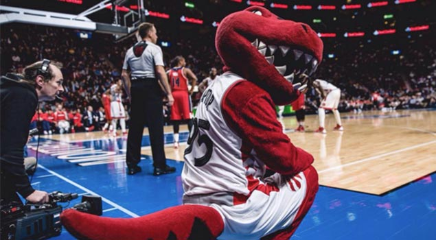 Meet Charlie Lindsay The Michael Jordan of NBA Photography
