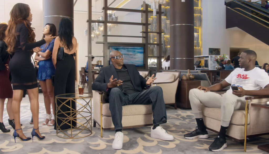 """Horace Grant & Michelle Williams Help Draymond Green """"Stand Out"""" In New Hilarious Foot Locker Commercial"""