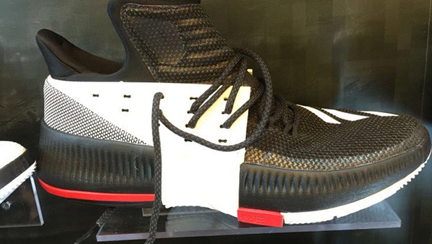 FIRST LOOK // ADIDAS D LILLARD 3