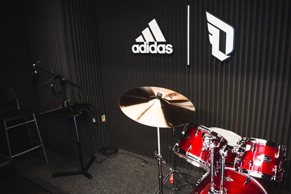 adidas_Dame3_Oakland_High_Recording_Studio_2