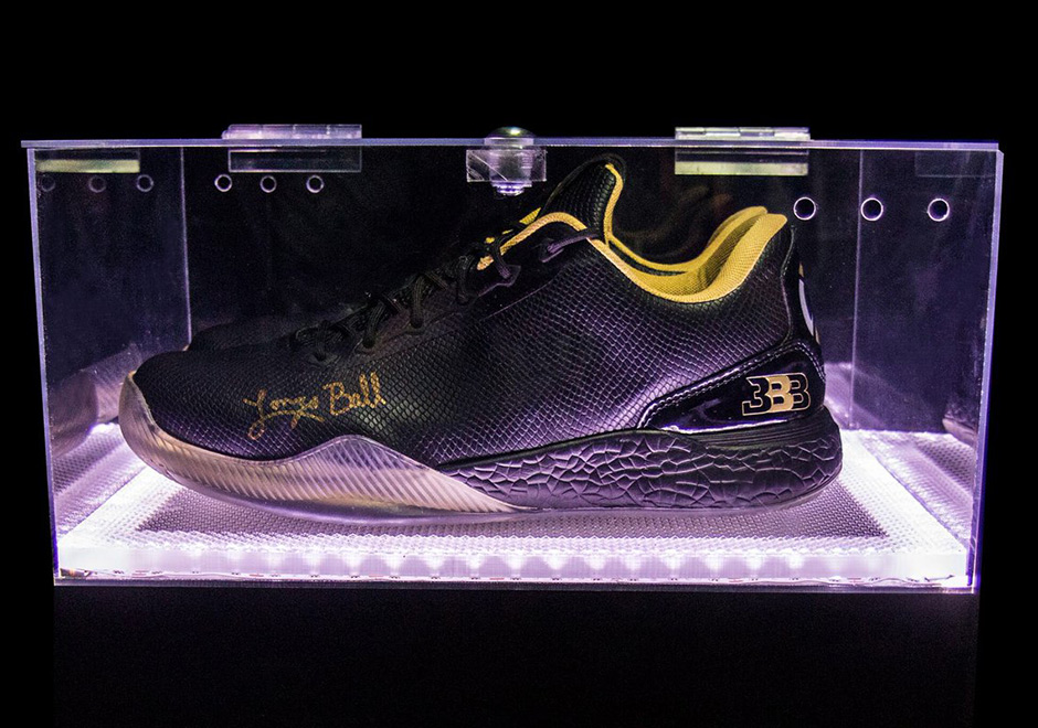 big-baller-brand-lonzo-ball-autographed-shoes-3