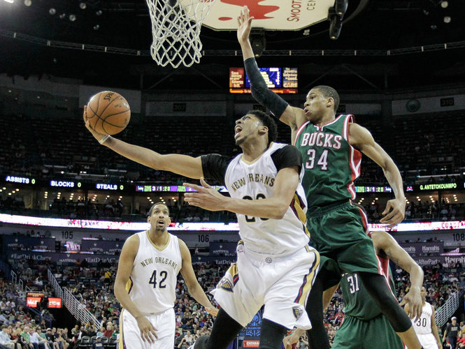 Giannis Antetokounmpo Shows Off His Handles Gets The And1