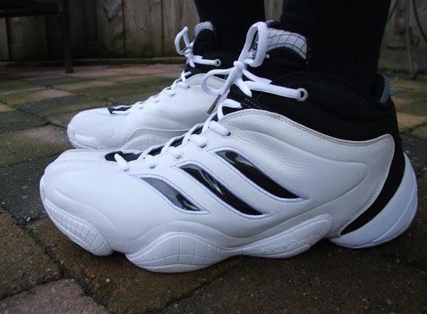 Kobe Bryant New Tennis Shoes
