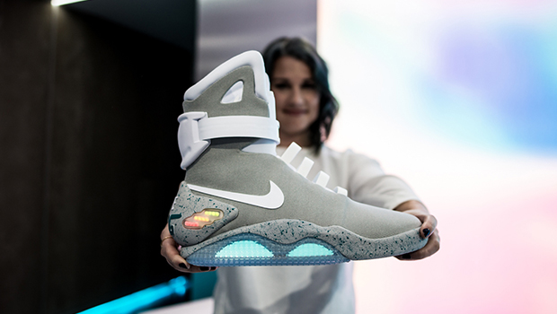 e0022a47a95 DETAILED LOOK AT THE 2016 NIKE MAG - Ballislife.com