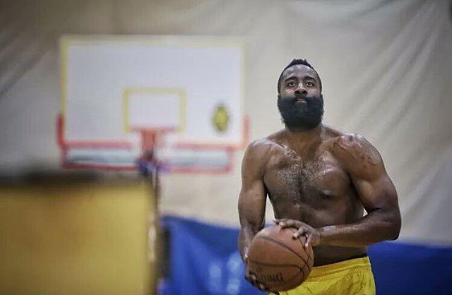 屈指可數!在NBA有多少不紋身的球員?這不紋身的理由我只服哈登!
